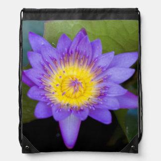 Glänzendes blaues Lilien-Auflage-Blüten-Foto Turnbeutel