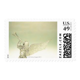 Glasengel, der Trompete, hintere Ansicht spielt Briefmarke