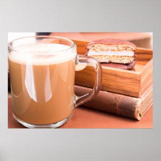 GlasTasse mit heißer Schokolade und Keksen Poster