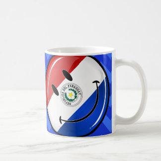 Glatte runde lächelnde Paraguay-Flagge Kaffeetasse