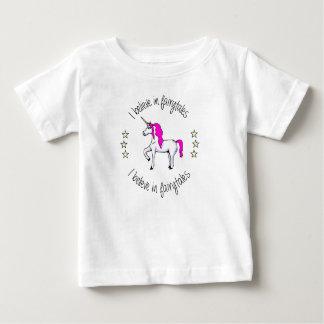 Glauben Sie an Fairytales Baby T-shirt