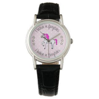 Glauben Sie an Fairytales Unicorn-Cartoon Armbanduhr