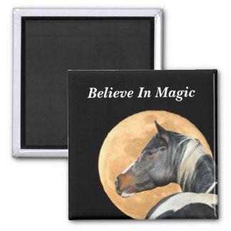 Glauben Sie an magischen Magneten mit Farbenpferd Quadratischer Magnet
