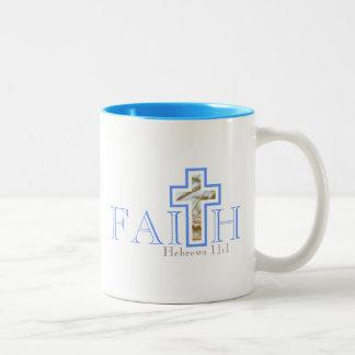 Glauben-Tasse Zweifarbige Tasse