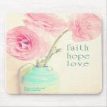 Glaubenhoffnungs-Liebe Ranunculus-Blumen 1 corinth Mauspads