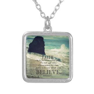 Glaubenzitatstrand-Ozeanwelle Halskette Mit Quadratischem Anhänger