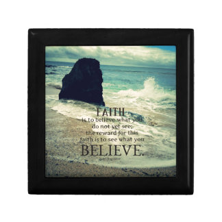 Glaubenzitatstrand-Ozeanwelle Kleine Quadratische Schatulle