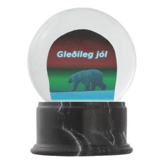 Gleðileg Jól - Polarlicht-Eisbär Schneekugel