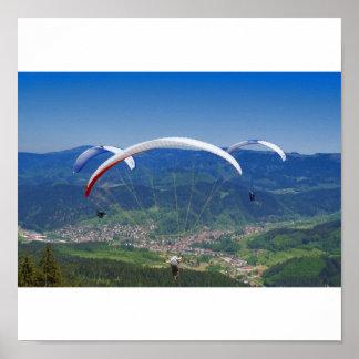 Gleitschirmflieger im Schwarzwald Poster