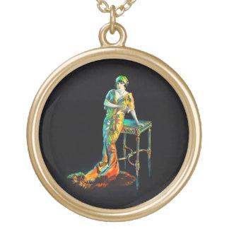 Gloria Swanson, 1922 Vergoldete Kette
