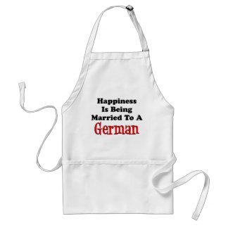 Glück, das zur deutschen Schürze verheiratet ist