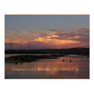 Glück ist nicht ein Bestimmungsort, es ist… Postkarte
