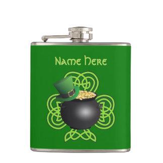 Glück vom irischen des St Patrick Tag Flachmann