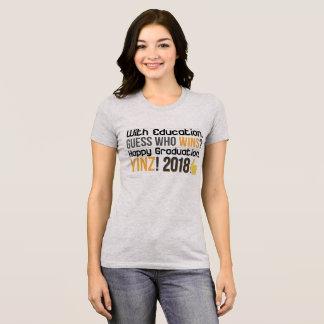 Glückliche Abschlüsse, Yinz! T-Shirt Entwurf