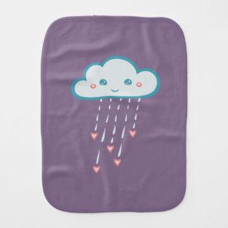 Glückliche blaue Regen-Wolke, die rosa Herzen Baby Spucktuch