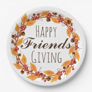 Glückliche Freunde, die Fall-Herbst-BlätterWreath Pappteller