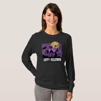 Glückliche Halloween-Katzenschlägereule lila T-Shirt