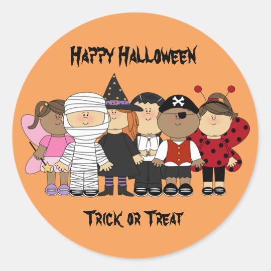 Glückliche Halloween-Kinder Runder Aufkleber
