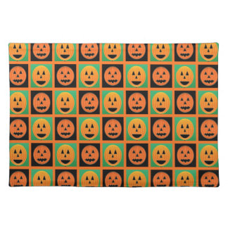 Glückliche Halloween-Kürbisgesichter Tischset