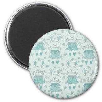 Glückliche Häschen im Blau Runder Magnet 5,7 Cm