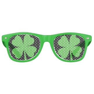 Glückliche Klee-Party-Schatten Partybrille