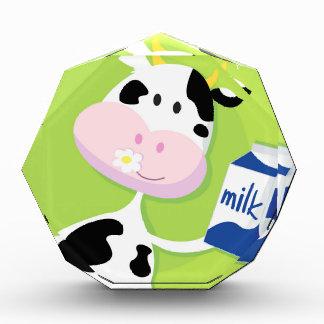 Glückliche Kuh mit Milch Auszeichnung