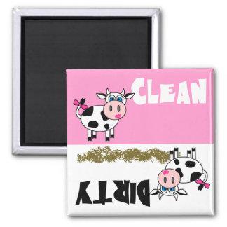 Glückliche Mädchen-Kuh-sauberer/schmutziger Spülma Kühlschrankmagnet