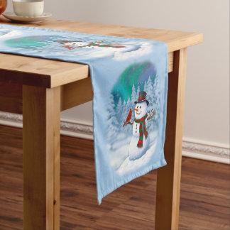 Glückliche Schneemann-und Winter-Vögel Mittelgroßer Tischläufer