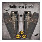 Glückliche Skelette im Sarg-Halloween-Party Karte
