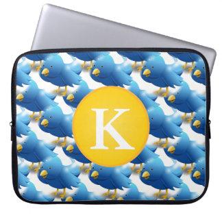 Glückliche tweetende Twitter-Ikone w/Monogram Laptopschutzhülle