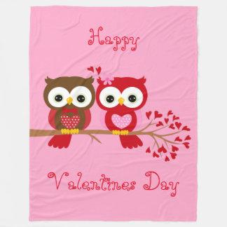 Glückliche Valentinstag-Eulen Fleecedecke