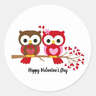 Glückliche Valentinstag-Eulen Runder Aufkleber