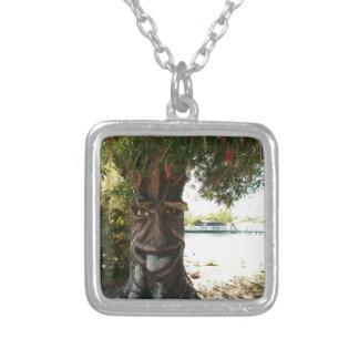 Glücklicher Baum Amulett