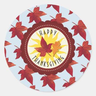 Glücklicher Erntedank-Himmel und Herbstlaub Runder Aufkleber