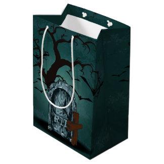 Glücklicher frequentierender toter Baum ernsten Mittlere Geschenktüte