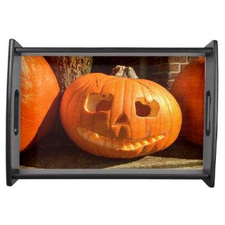 Glücklicher Halloween-Kürbis Serviertablett