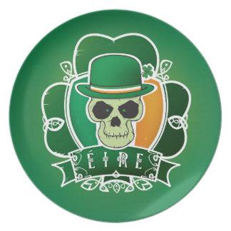 Glücklicher irischer Schädel Melaminteller