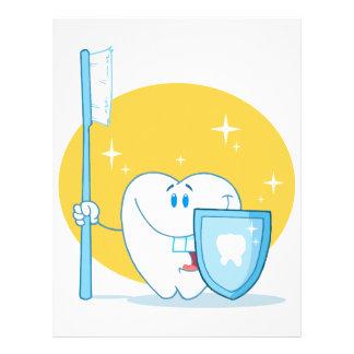 Glücklicher lächelnder Zahn mit Zahnbürste und Sch 21,6 X 27,9 Cm Flyer