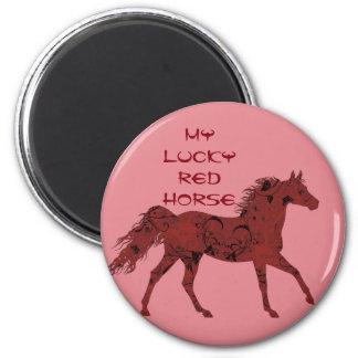 Glücklicher roter Magnet des Pferd |