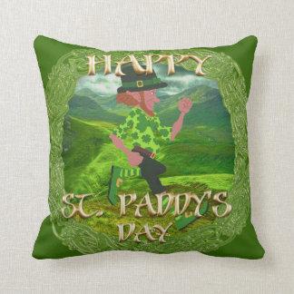 """""""Glücklicher St.Paddy Tages"""" Wurfs-Kissen Kissen"""