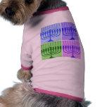 Glückliches Chanukka Menorah Hunde T Shirts