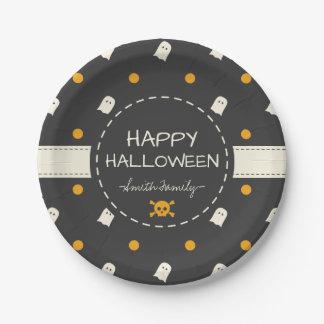 Glückliches Halloween. Niedliche Pappteller