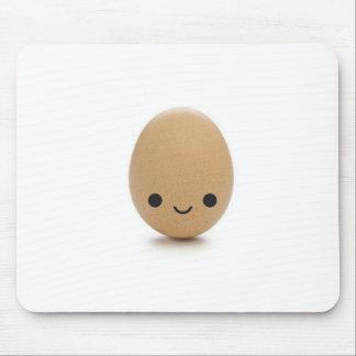 Glückliches kleines Ei Mousepads