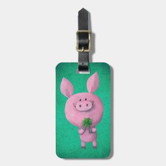 Glückliches Schwein mit glücklichem vierblättriges Adress Schild