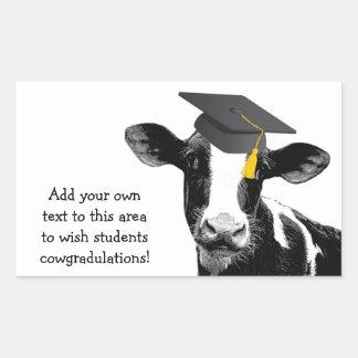 Glückwunsch-Abschluss-lustige Kuh in der Kappe Rechrteckaufkleber