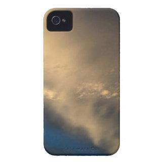 Glühende Wolken iPhone 4 Hülle