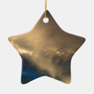 Glühende Wolken Keramik Stern-Ornament