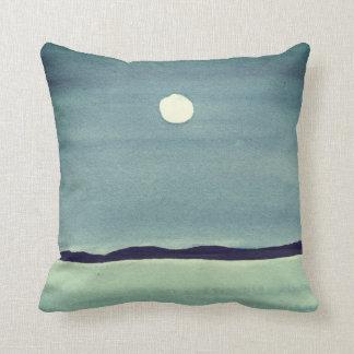 Glühender Mond über Ozean Kissen