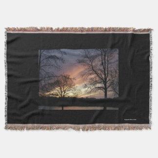 Glühender Sonnenuntergang-Wurf Decke