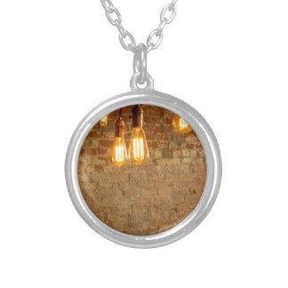 Glühlampen-Hintergrund Halskette Mit Rundem Anhänger